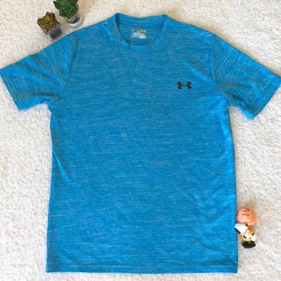Size XL Brand New Mens Blue /& Gray Under Armour Heat Gear Loose Fit Shirt